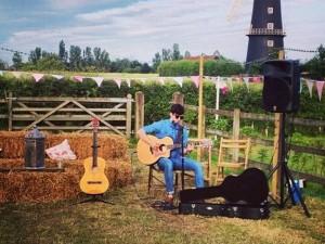 Jontie - acoustic guitarist coventry